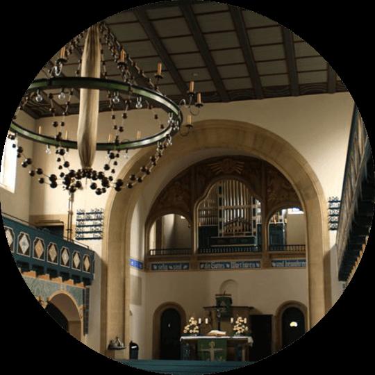 Innenansicht der Jugendstilkirche Gaggstatt