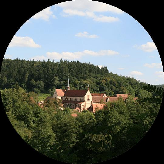 Luftaufnahme des Kloster Bronnbach in Wertheim, im unteren Taubertal