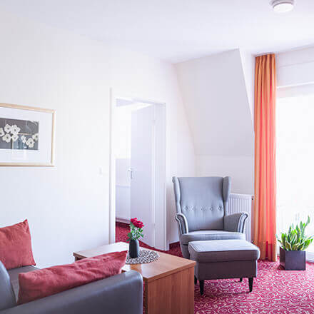 Wohnbereich der Suite Lina im Hotel Alexa Bad Mergentheim