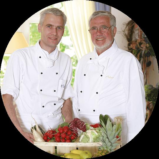 Oliver und Jürgen Schulz in weißer Kochrobe