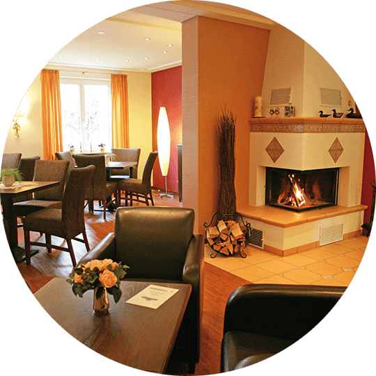 The cozy fireplace room in the Hotel Alexa Bad Mergentheim